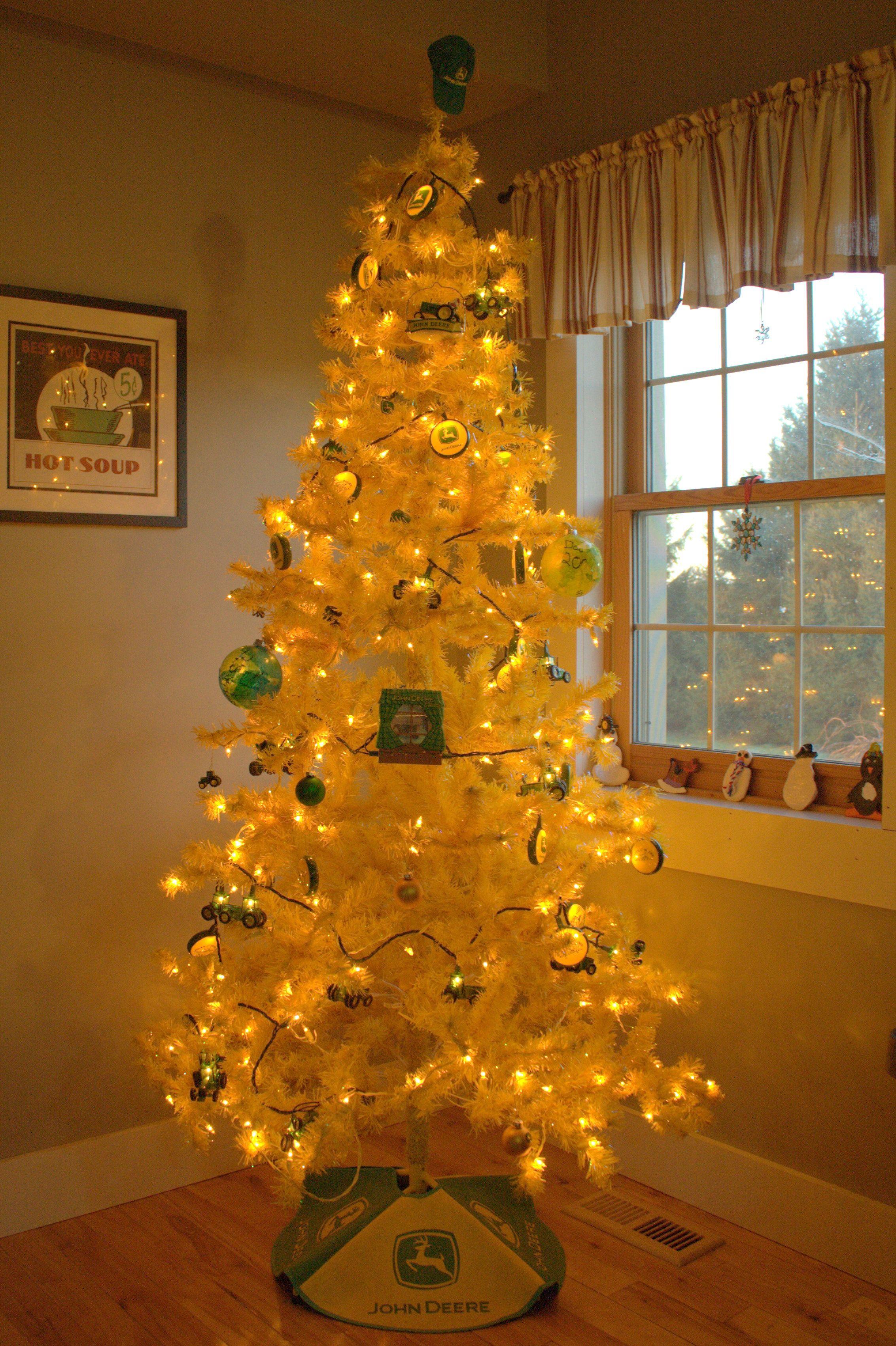 Our John Deere Christmas Tree   John deere Christmas   Pinterest ...