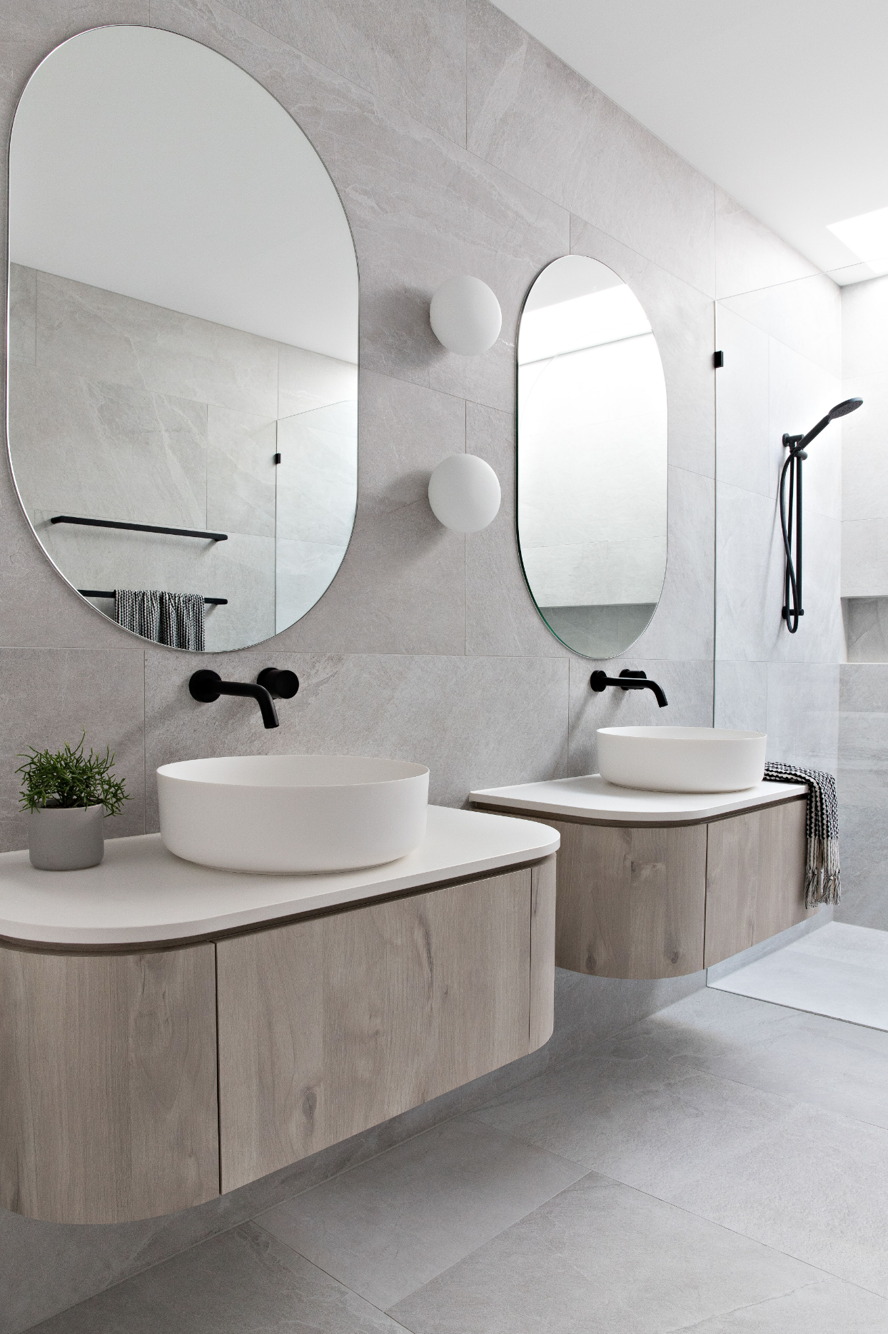 Curved Mirrors Want To Make A Statement In A Bathroom Or Space And Give It That Designer Edge You Bathroom Interior Round Mirror Bathroom Vanity Inspiration