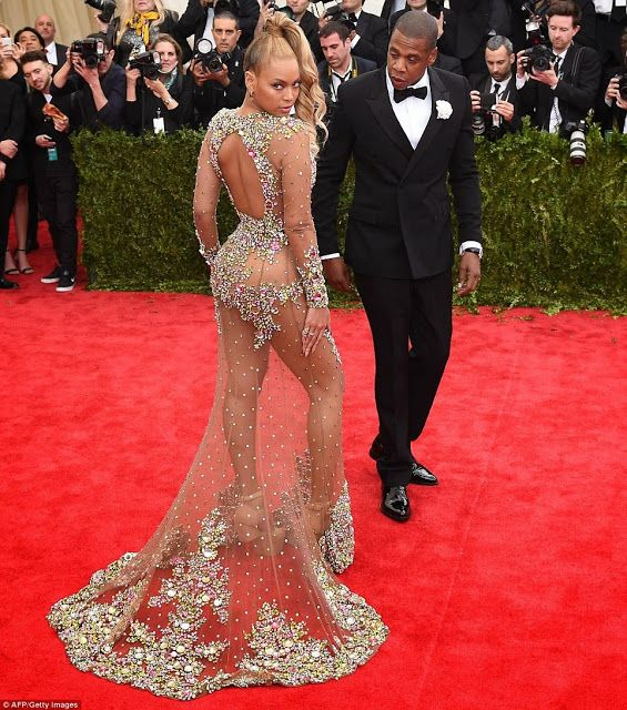 Beyonce stuns in sexy Met Gala 2015 gown-See amazing pictures!