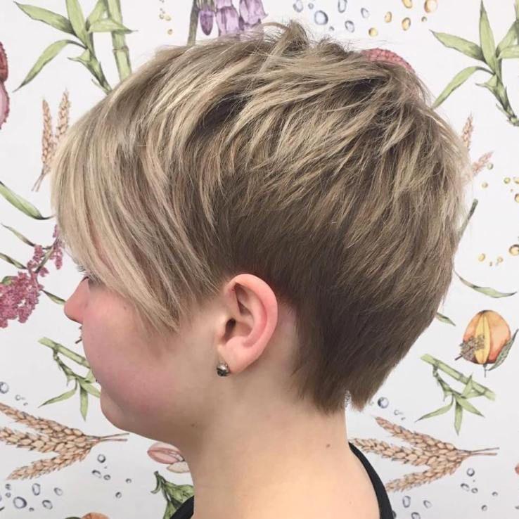 Choppy Pixie Haircut With Bangs Hair In 2018 Pinterest Pixie