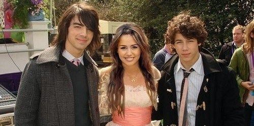 Miley dating a jonas brother