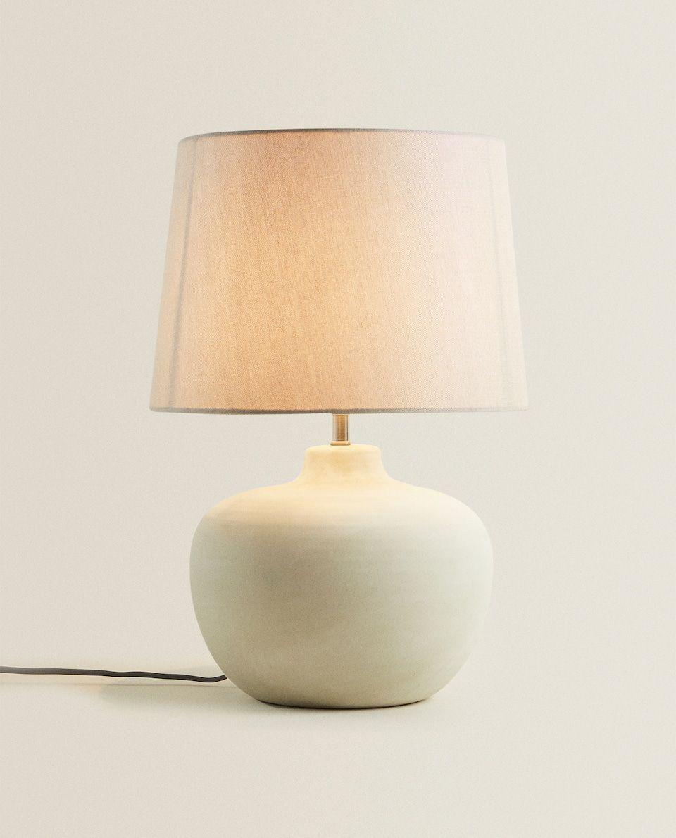 Bild 2 Des Produktes Lampe Mit Keramikfuss In 2020 Zara Home Lampe Keramik