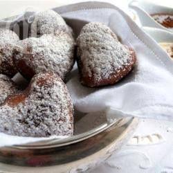 Schokoladige Herz Krapfen Sind Das Perfekte Dessert Für Den Valentinstag  Oder Ein Romantisches Abendessen. Warm