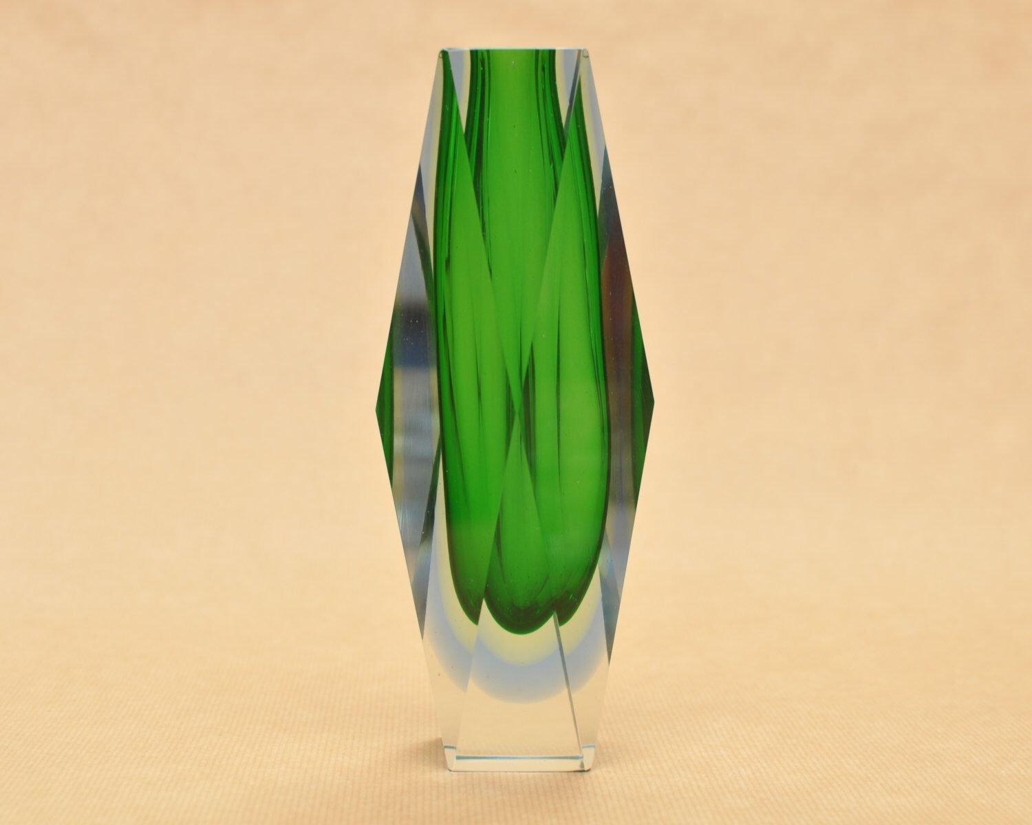 Pin by fosse says hi on Vase | Pinterest | Faceted glass and Glass art