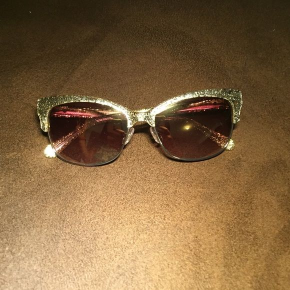 8f57fead12 Kate Spade Shira Gold Glitter Sunglasses Cat eye sunglasses with gold  glitter accent. kate spade Accessories Sunglasses