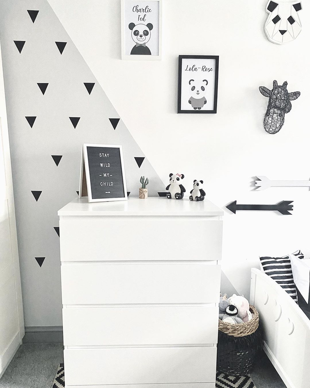 60 Triangle Wall Stickers - 4 Sizes