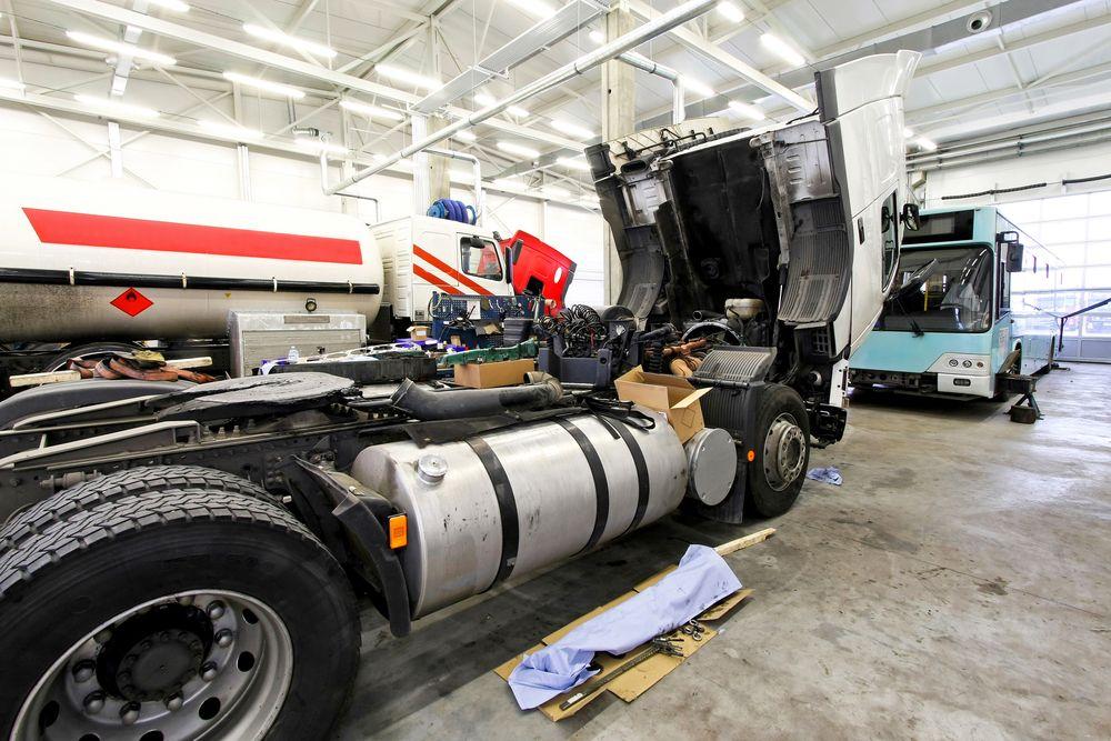 Commercial Truck Repair Truck Repair Cool Trucks Trucks