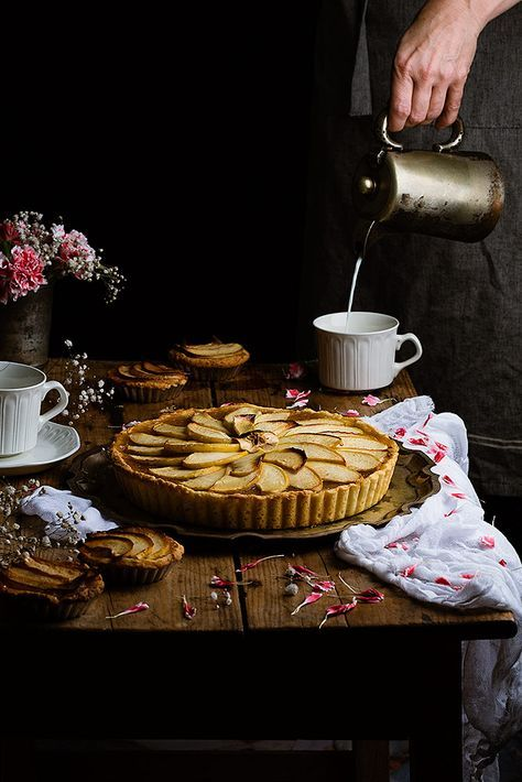 Apple cake by Raquel Carmona