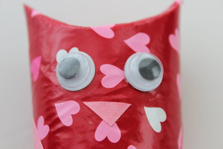 Looking for a quick and super cute Valentine's Day craft to do with the kiddos? Check out this super easy and cute DIY Valentine's Day Owl Craft that you can do to save you tons of money! INGREDIENTS Used Toilet Paper Rolls Construction Paper Googly Eyes if you have them (you can also make eyes … … Continue reading →