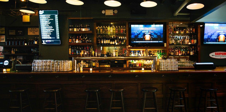 The Three Monkeys Boston Red Sox Bar New York Boston Celtics Bar Best Craft Beers American Bars Best Slider