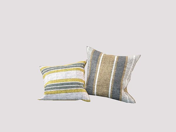 Ung999s color living pillow right