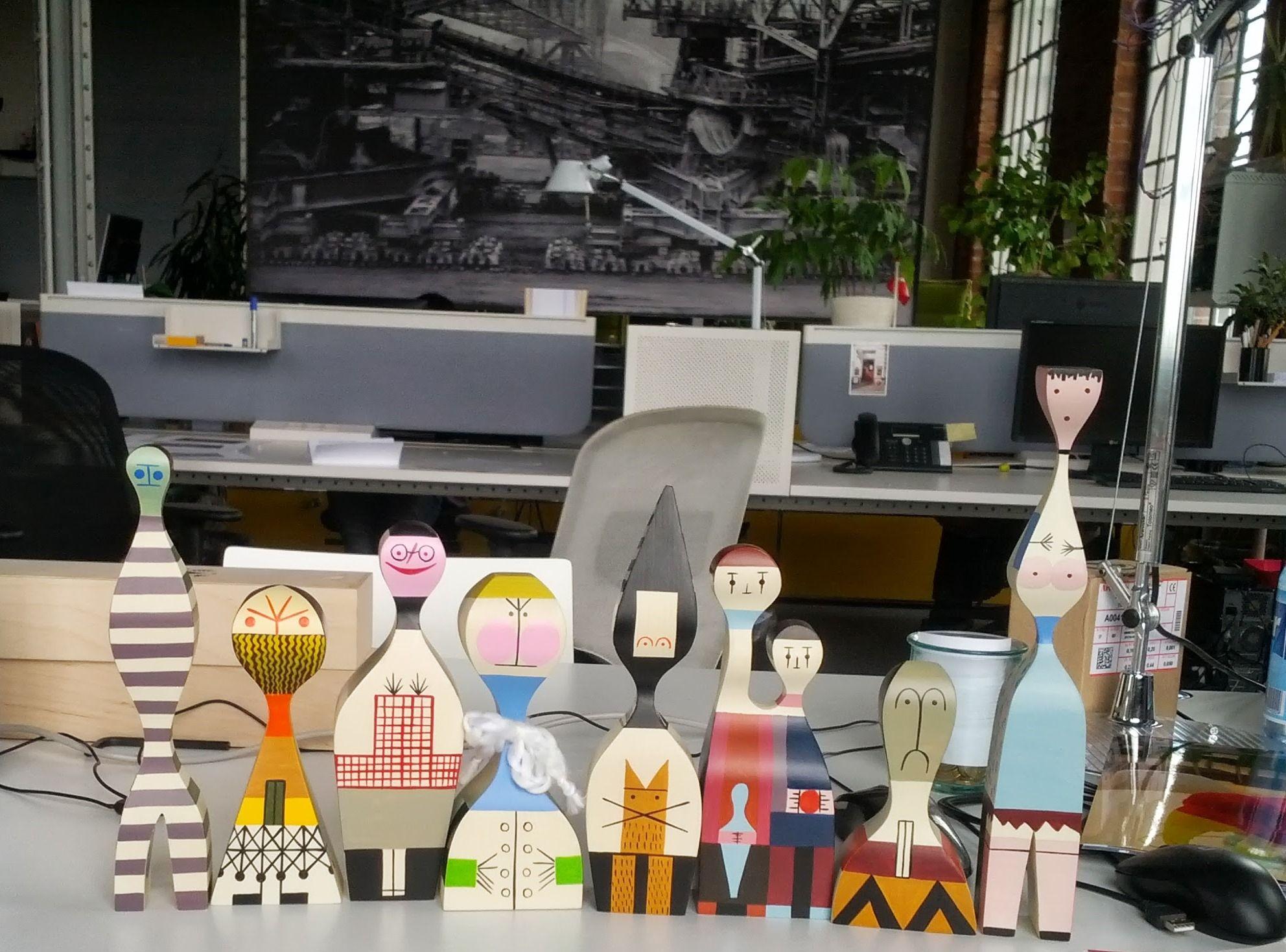 Die Vitra Wooden Doll Familie von Alexander Girard.