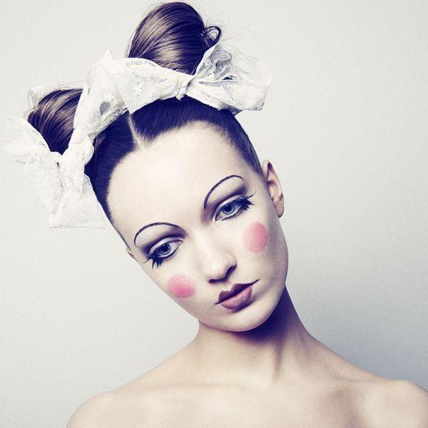 14 Ideas De Maquillaje Para Lucir Como Una Aterradora Muñeca Maquillaje Halloween Muñeca Maquillaje De Circo Muñecos Halloween