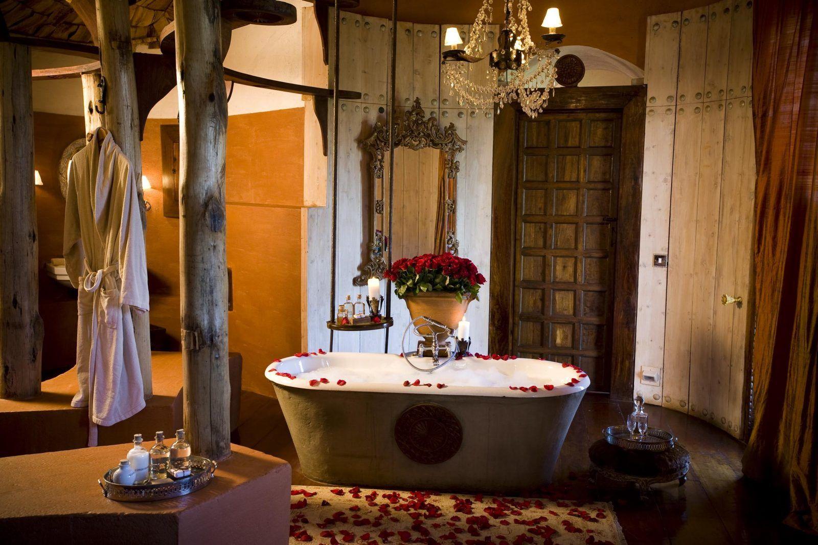 cuarto de bao de estilo colonial