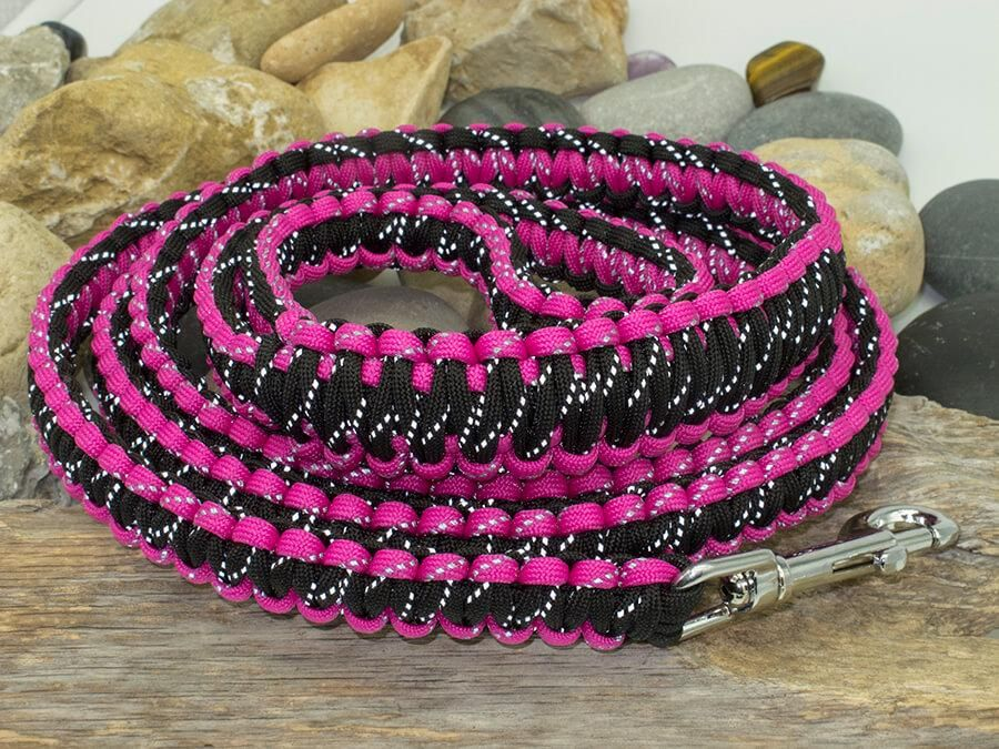 Reflective Dark Pink and Black Paracord Dog Lead Pink