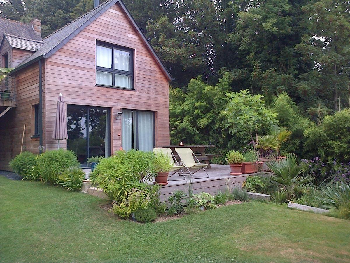 Photo De Cet Etablissement Dans La Galerie Jardin En Pente Jardins Maison Style