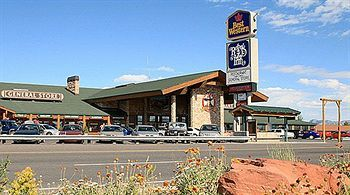 Book The Best Western Plus Ruby S Inn Situated In Bryce Canyon This Eco Friendly Hotel Is Mi Km From Ebenezer Barn And Grill