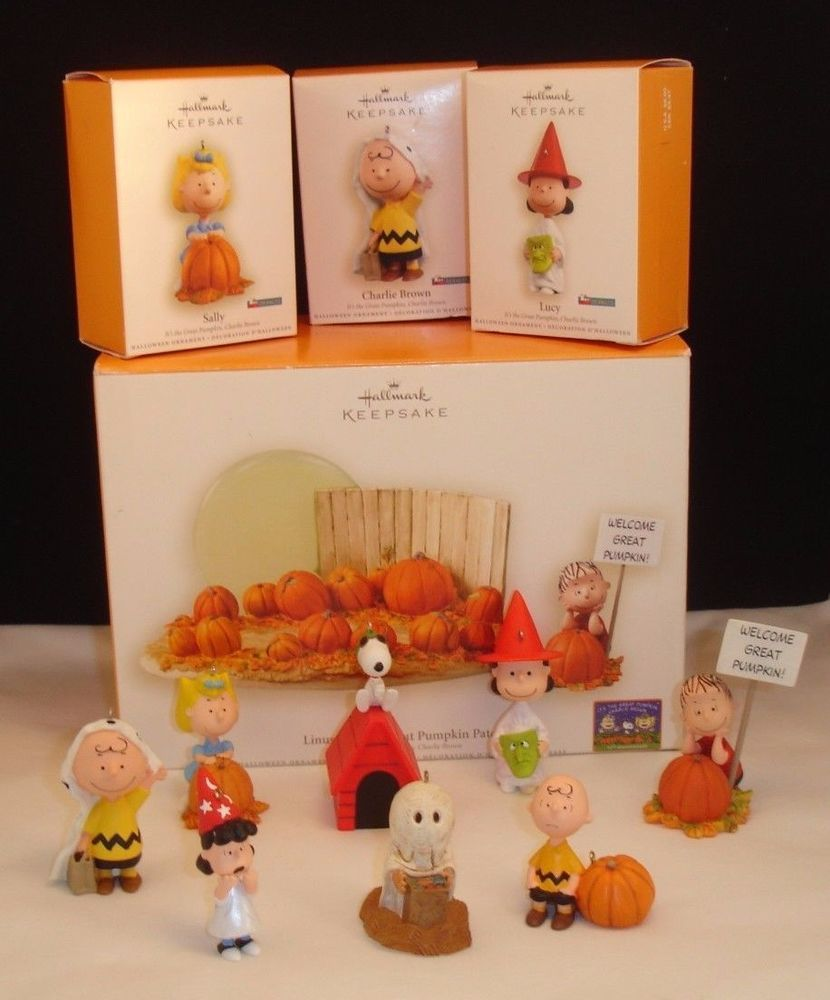 Hallmark Linus & The Great Pumpkin Patch With 8 Figurines ...