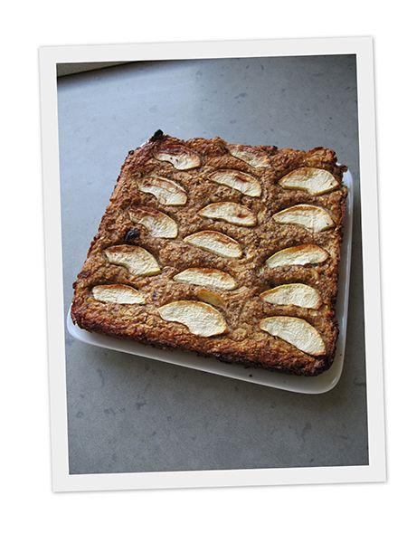 Havermoutkoek - Een receptje zonder suiker, bloem of boter. Het is een heerlijk gezonde koek, het heeft wat weg van appeltaart, een gezonde dan. Het niet knapperig zoals een gewone appeltaart, maar wel heerlijk van smaak!! Het vult geweldig en je kan het als een gezond ontbijt of lunch gebruiken, voor als je wat minder tarwe wilt eten..