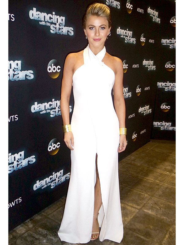 Julianne Hough's <em>DWTS</em> Photo Diary: Week 9's Dress 'Makes Me Feel Elegant and Classy' http://stylenews.peoplestylewatch.com/2014/11/11/julianne-hough-dancing-with-the-stars-white-pucci-dress/