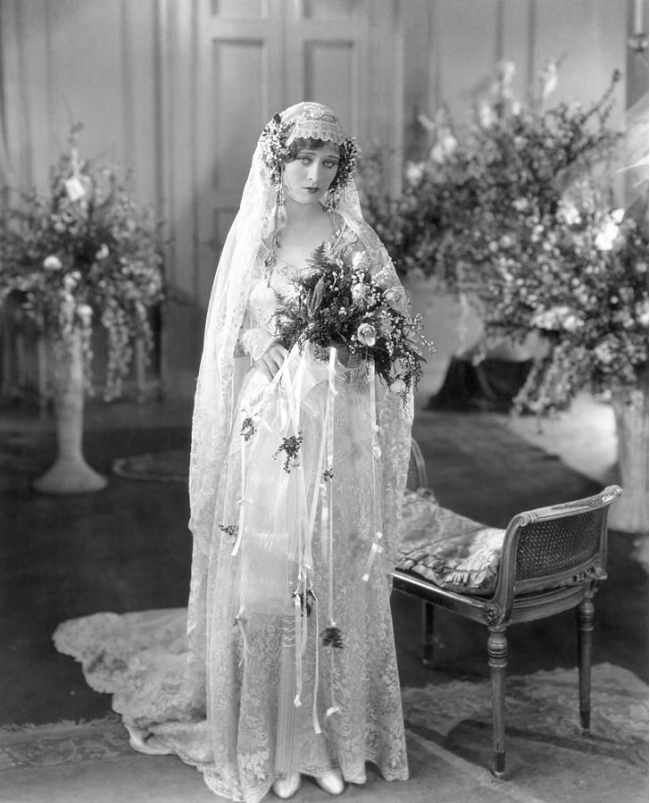 Vintage Wedding Gowns 1920s: Hire Great Gatsby Jazz Band