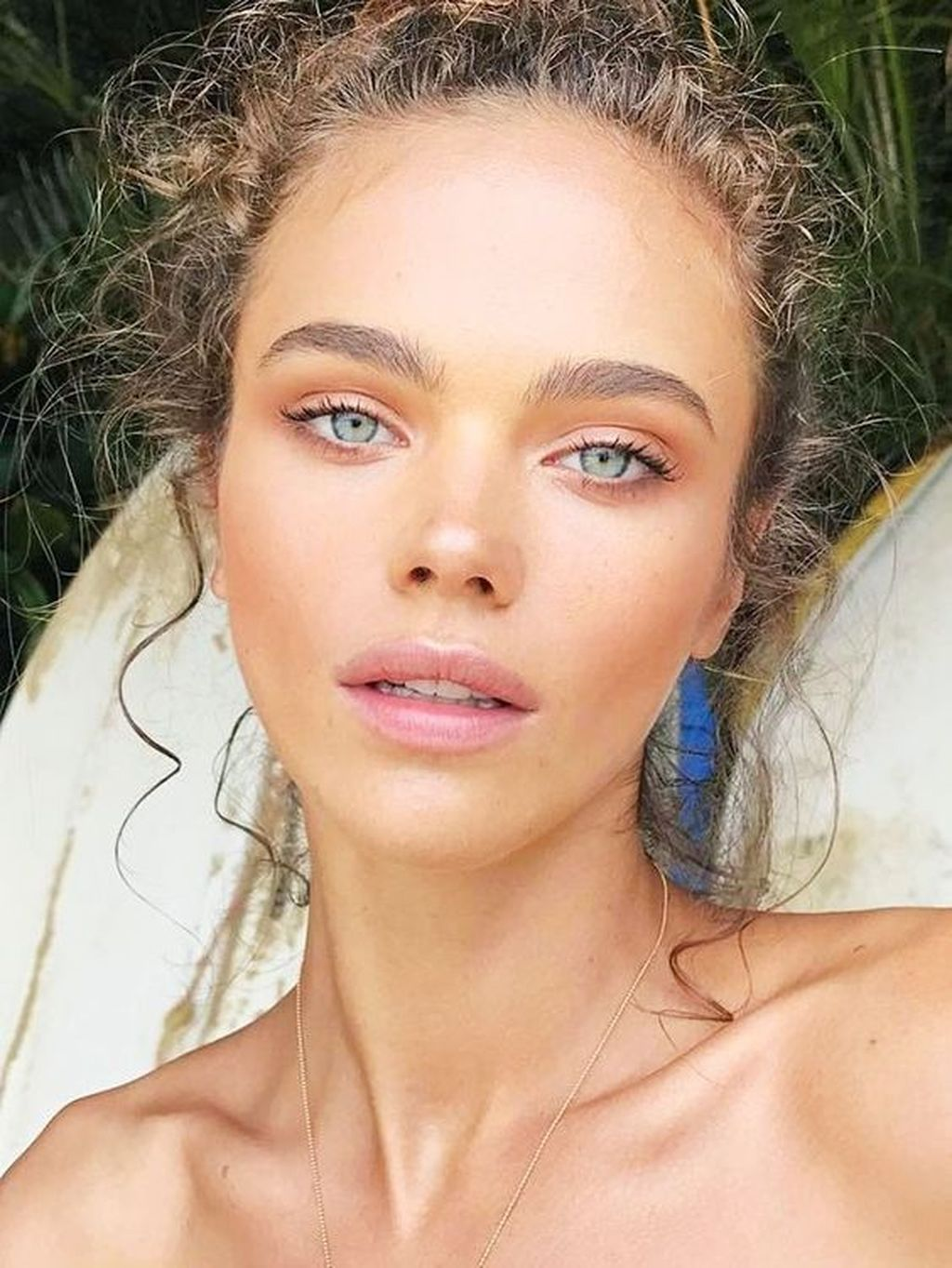 9 Perfect Summer Beach Makeup Ideas - Fashionmoe  Amazing