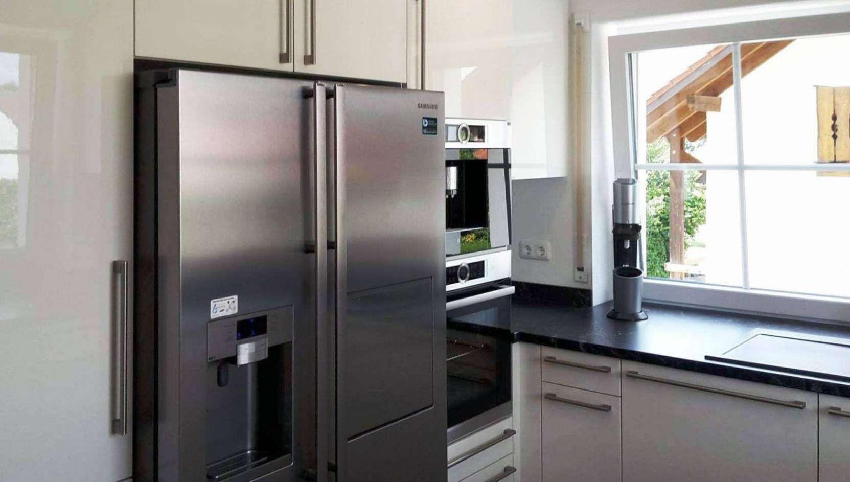 Offene Küche Mit Side By Side Kühlschrank  Einbauküche Moderne