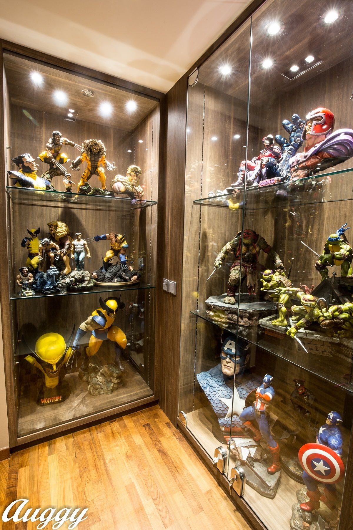 Sideshow Featured Collector Augustine Loh Geek Room Toy