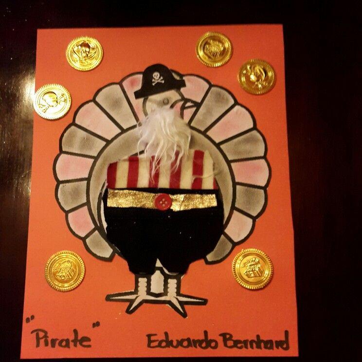Pavo Disfrazado De Santa Pavo Pavo Disfrazado Pavo Piratas