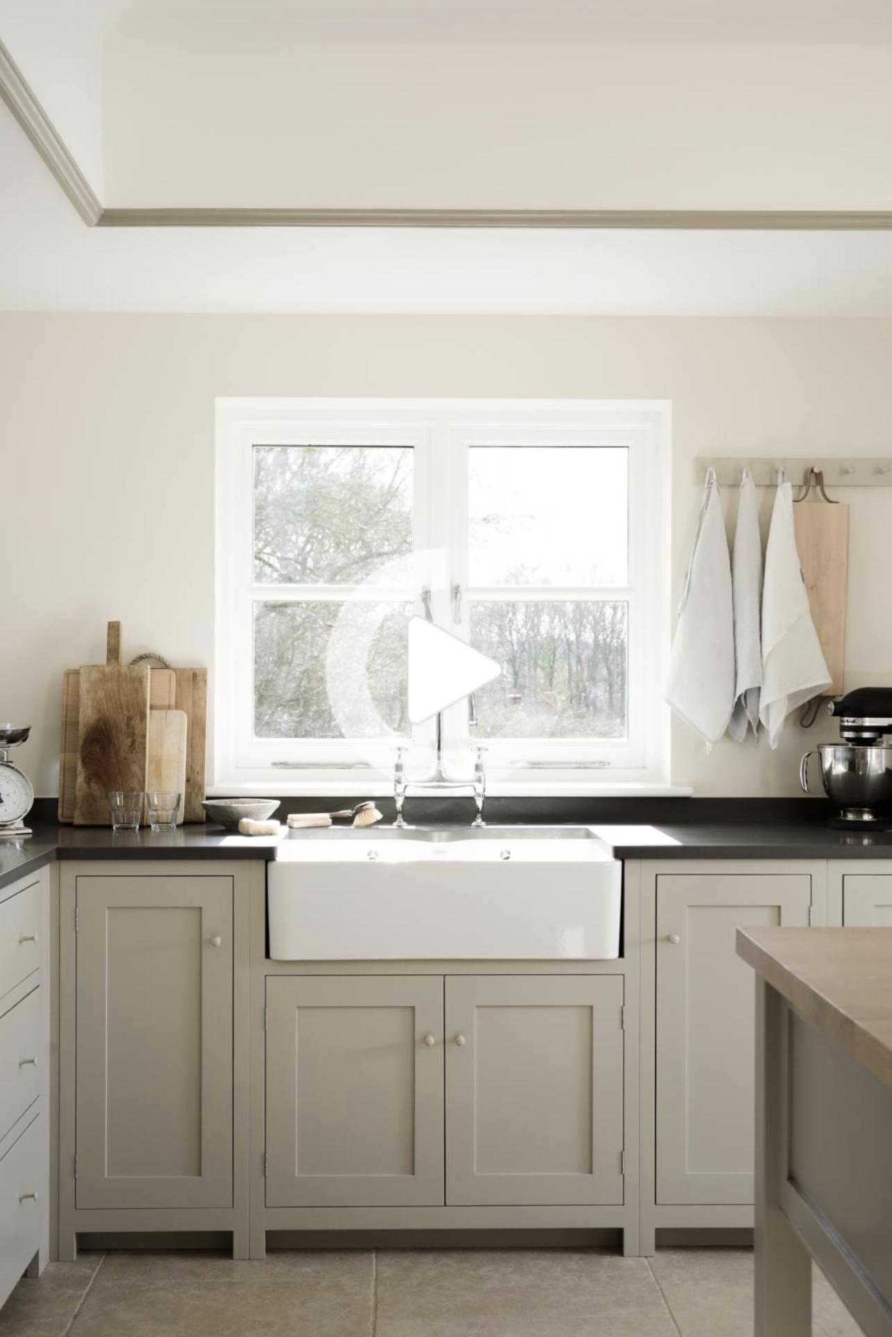 De Beste Mushroom Paint Kleuren Voor Uw Keuken In 2020 Kuchenumbau Kucheneinrichtung Klassische Weisse Kuche