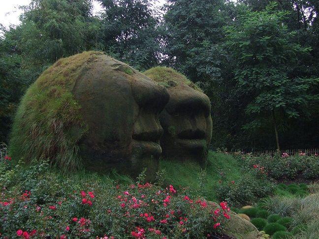 Giant Mud Heads Mud Head Big Plants Garden Whimsy