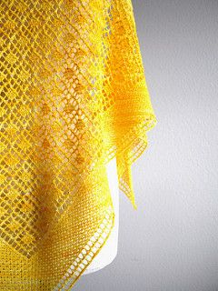 Blooming Shawl - Expandable small shawl by Sachiko Uemura on Ravelry - 470 yrds