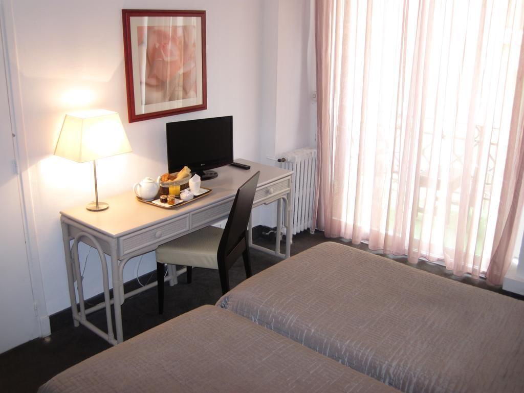 Hotel Carlton Nice Nizza Frankreich 1130 Gastebewertungen Buchen Sie Jetzt Ihr Hotel Booking Com Schone Badezimmer Zimmerausstattung Hotel