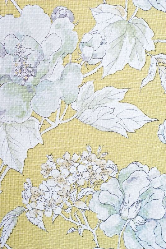 Large Floral Damask Pattern Upholstery Curtain Furnishing Fabric In Cream Yellow