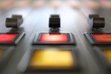Magníficas vistas a las luces del ritmo. #onair #radio #locutora #music  (c) Txell Aixendri
