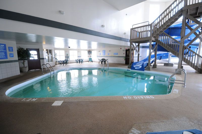 Superior Plan Your Next Weekend Away At The Days Inn In Steinbach! It Has A Heated  Indoor Pool, Waterslide, And Jacuzzi!