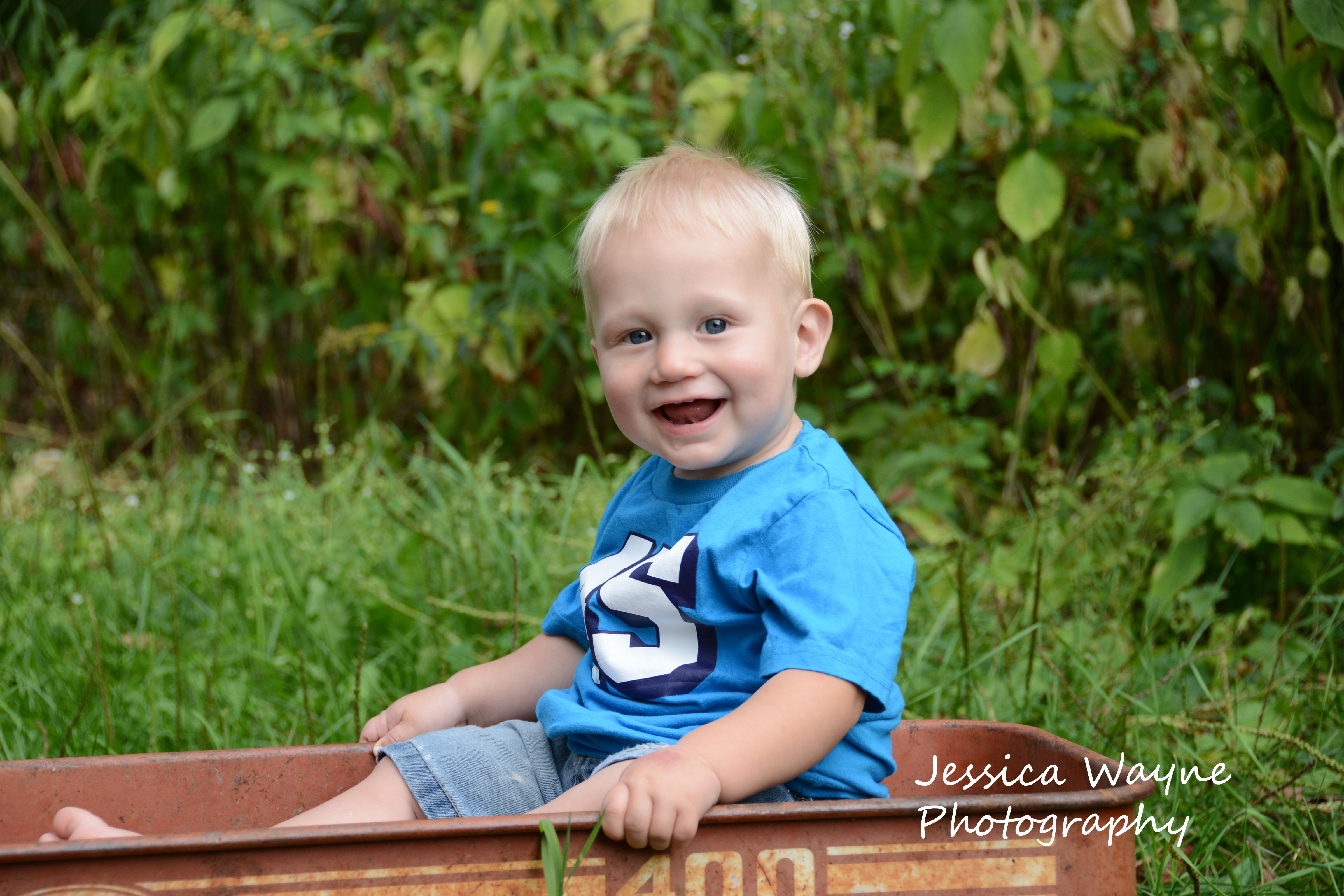 1 year old boy outdoor photography