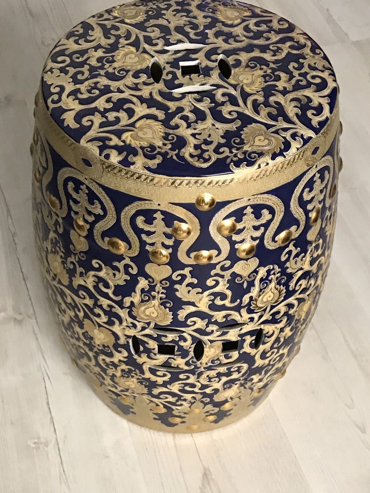 Immense Chinese Porcelain Garden Seat Stool Amazing Gold Possibly Qing is part of garden Seating Prata -