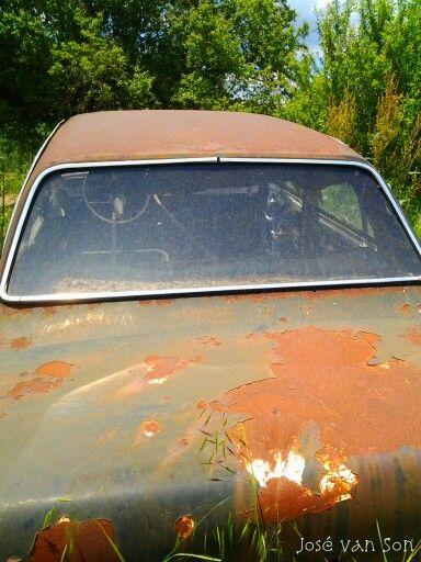 Rusty VICTOR Vauxhall carwreck,  Omali-Kozani Greece