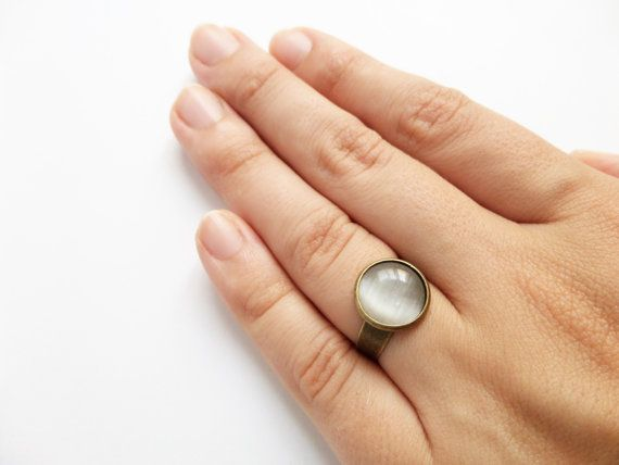 Moon Ring Dusty White Cocktail Ring Everyday Ring Cats por Portenya