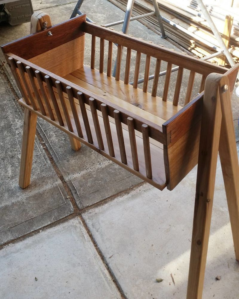 How To Build A Baby Diy Wooden Bassinet Diy Crib Baby