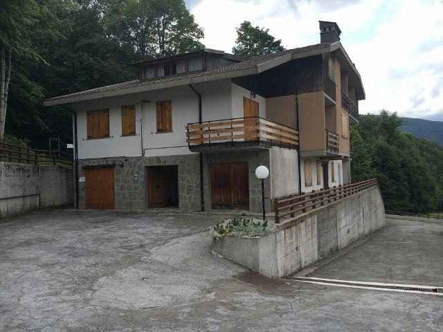 Appartamento Abetone Faidello Mansarda Tre Vani Mq 75 http://www.agenziacioni.com/immobili/appartamento-abetone-faidello-mansarda-tre-vani-mq-75/#