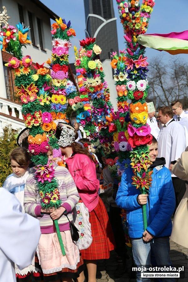 Niedziela Palmowa W Lysych 29 03 2015 Niedziela Palmowa Lyse 004 Galeria Zdjec Moja Ostroleka Lepsza Stro Flower Crafts Polish Easter Polish Traditions