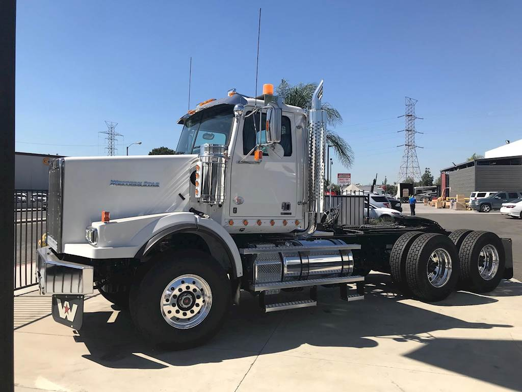 2019 Western Star 4900sb Tandem Axle Day Cab Western Star Trucks Semi Trucks For Sale Trucks