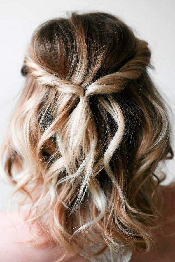 Half Up Half Down Easy Bridal Hairstyles For Medium Length Hair Braidedformediumlengthhair Medium Length Hair Styles Medium Hair Styles Short Wavy Hair