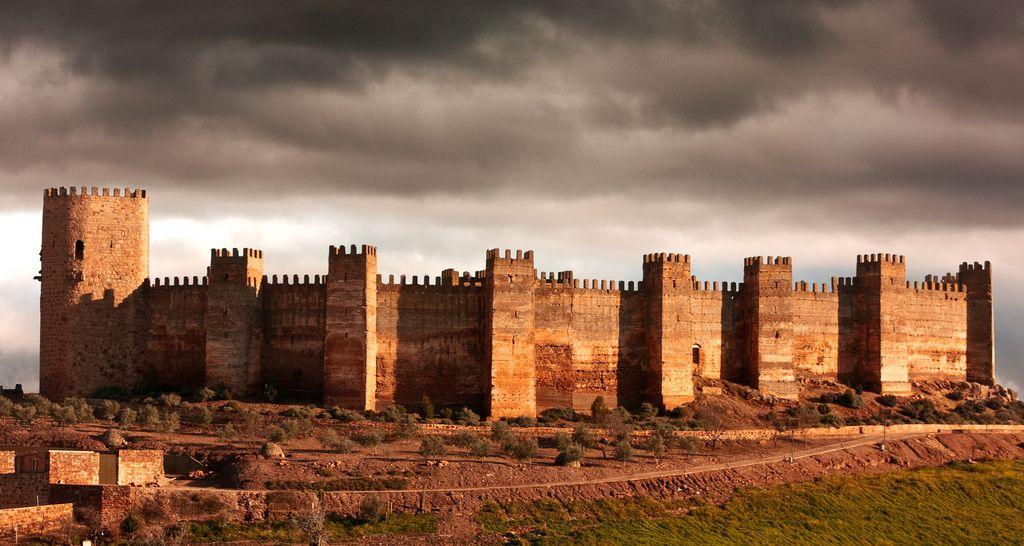 Castillo De Burgalimar En Banos De La Encina Jaen Medieval