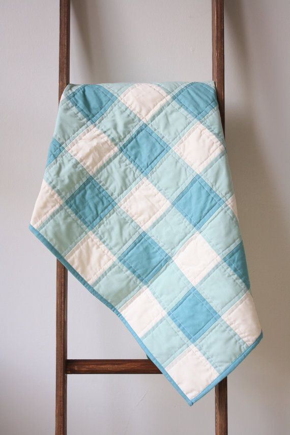 This pretty green gingham quilt is warm, but not too heavy. Cotton ... : heavy quilt batting - Adamdwight.com