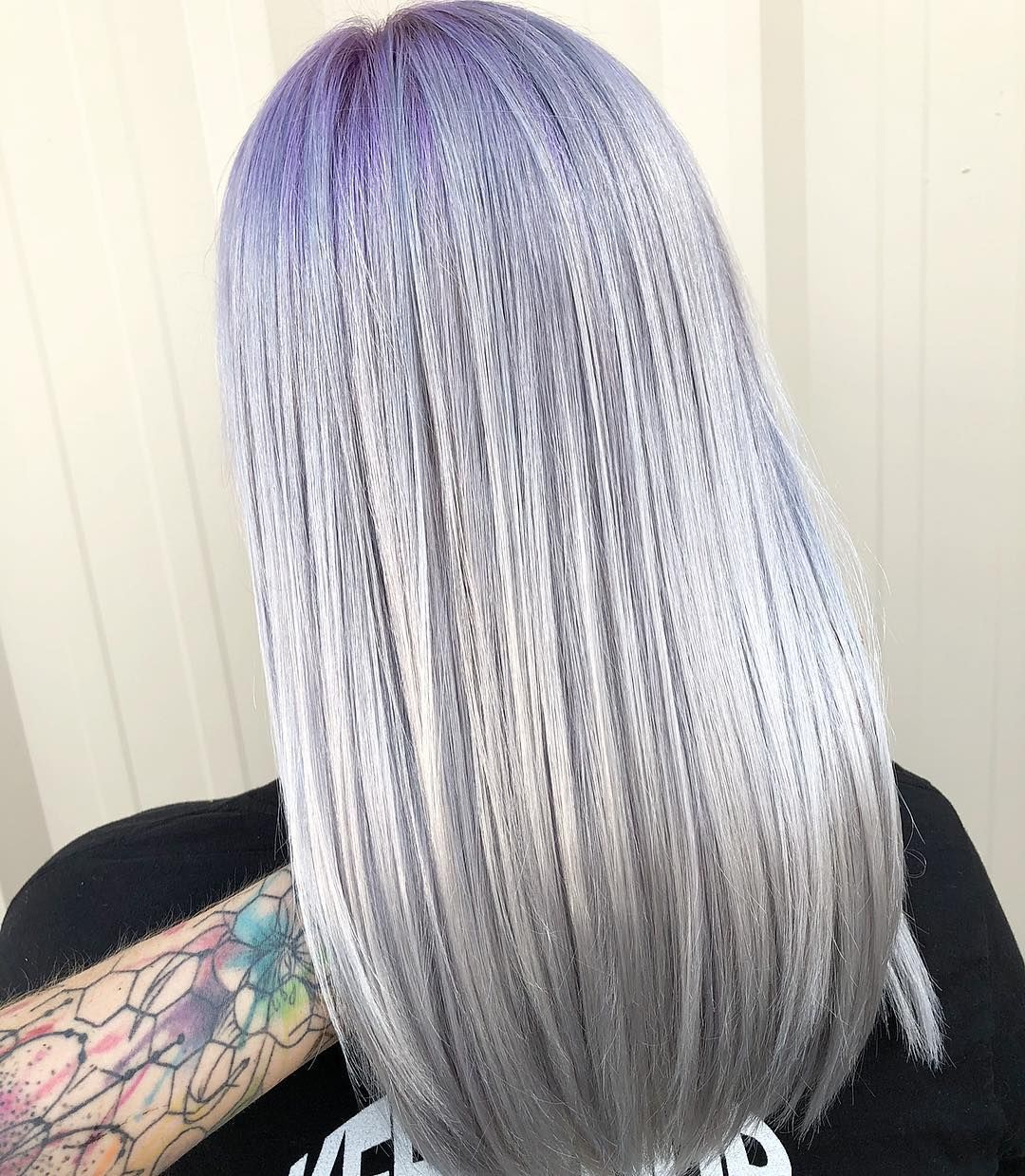 Smoked Out Used Matrix Socolorcult Lavender Macaroon Marble Grey 1 1 At Her Root Blending Down Into The Same Lavender Hair Perfect Hair Silver Hair