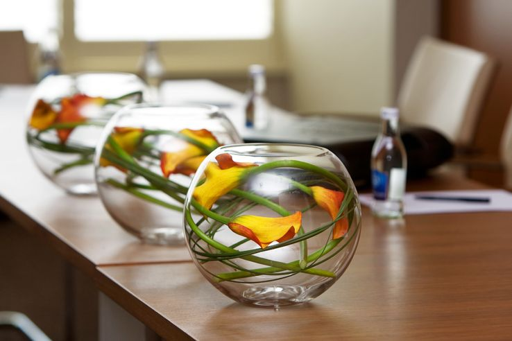 What To Put In Bowls For Decoration Decorating Your Office In Nyc Where Corporate Floral Arrangements