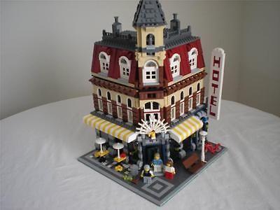 Lego Modular Buildings: 10182 Cafe Corner https://t.co/hqbpBWYDq8 https://t.co/45KMozECHO